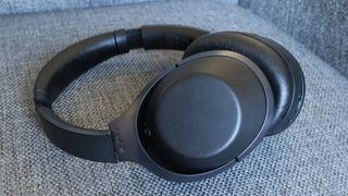 Med Sony MDR-1000X skal Sony hive Bose ned fra støy-tronen
