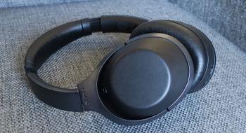 Sony MDR-1000X Med Sony MDR-1000X skal Sony hive Bose ned fra støy-tronen