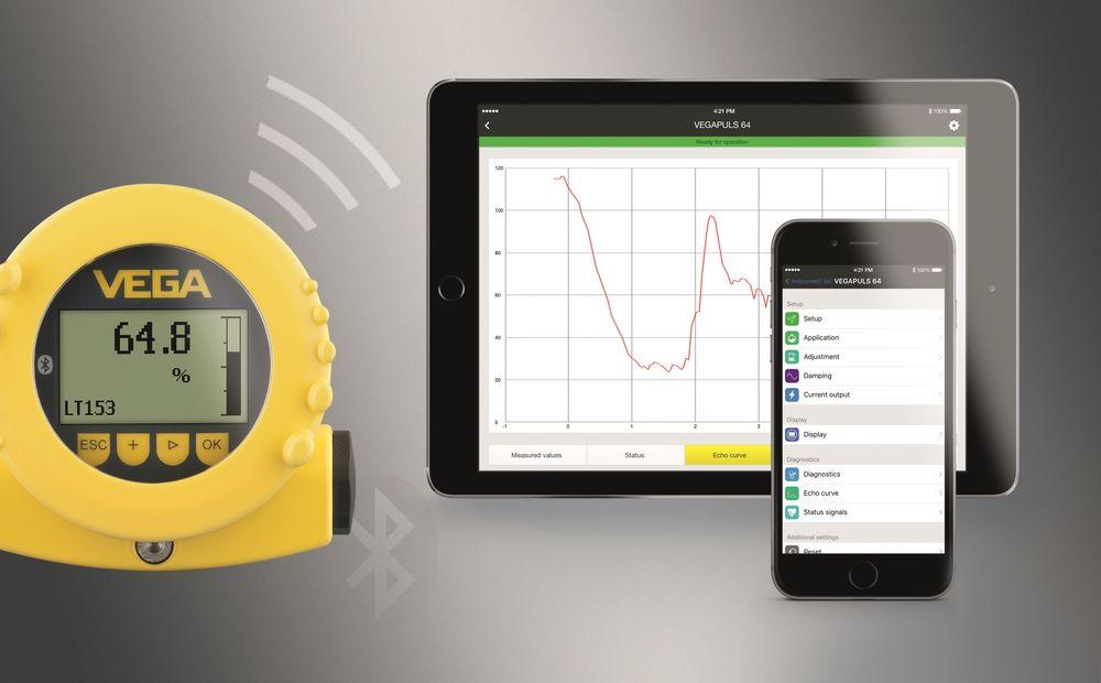 Displayet og betjeningsmodulen  Pliscom med bluetooth gir mulighet for kryptert, trådløs konfigurering og sensordiagnostikk via smarttelefon, nettbrett eller PC.