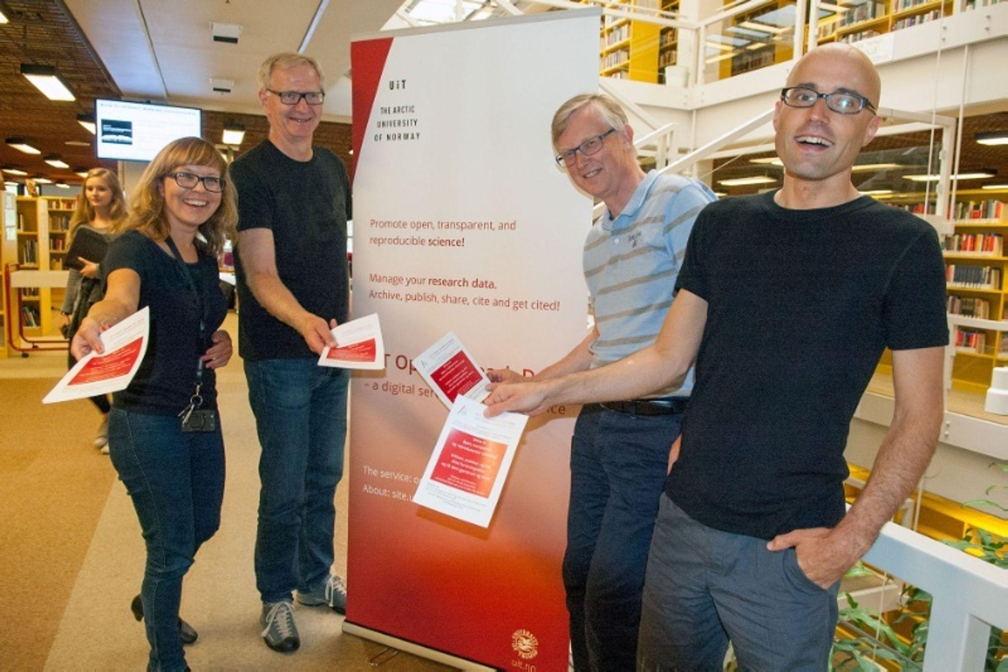Helene Andreassen, Leif Longva, Stein Høydalsvik og Philipp Conzett ved Universitetsbiblioteket gleder seg til lanseringen.