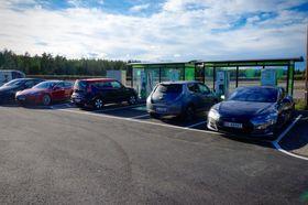 Fortum har satt opp fire komboladere pluss fire punkter for type 2 22 kW.
