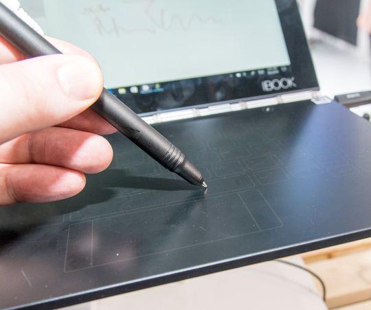 Lenovo har kalt pennen sin for Real Pen ... fordi det også er en ekte penn, med blekk i. De har i vært fall vært kreative på det viktige, om enn ikke da de døpte pennen.