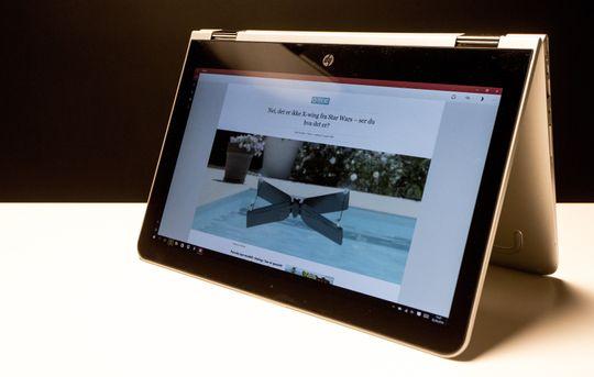 Teltmodus passer godt til surfing på frokostbordet, bildevisning og bruk av berøringsskjermen.