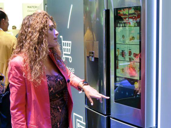Samsung var en av produsentene som viste frem «smarte» kjøleskap.