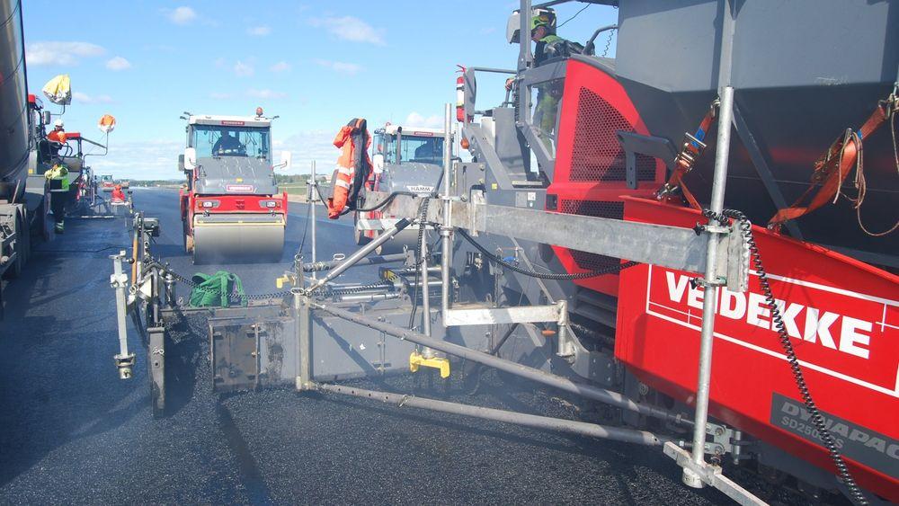 Om all asfaltproduksjon i Norge fikk energien fra forstøvet trepellets, ville det redusere de årlige CO2-utslippene med ca. 120.000 tonn per år, ifølge Enova.