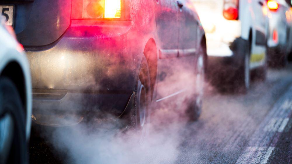 Vi må bli kvitt bensin og diesel så fort som mulig, mener Monica Araya.