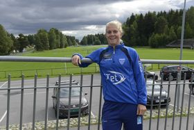 FORNØYD COACH: Solveig Gulbrandsen har absolutt ingenting imot å lære bort sine fotballkunnskaper til den neste generasjonen med spillere.