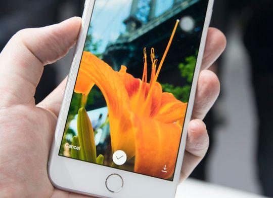 Kameraet skal også ta bilder med et voldsomt dynamikkomfang, og det vistes godt med demobildene på skjermen. Det gjenstår å se om de nye iPhone-modellene lever opp.