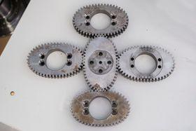 En av hemmelighetene: Otechos har patentert måten de bruker en kombinasjon av runde og elliptiske tannhjulene til å drive kamrene i mekanismen.