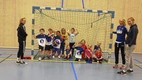 GØY OG SOSIALT: Håndballferie betyr ikke bare sport og spill, det er også godt vennskap og mye sosialt.