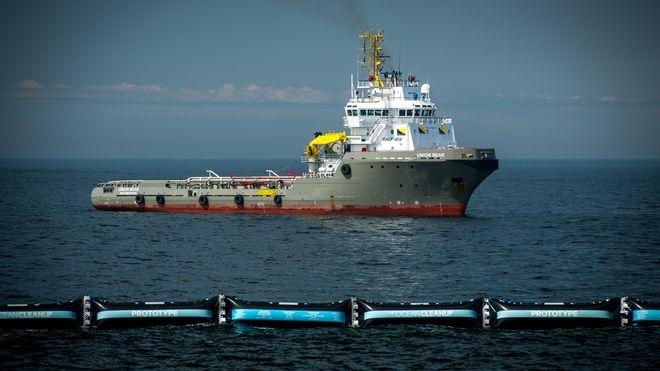 Skal rense havet for plast – ber oljeindustrien om hjelp