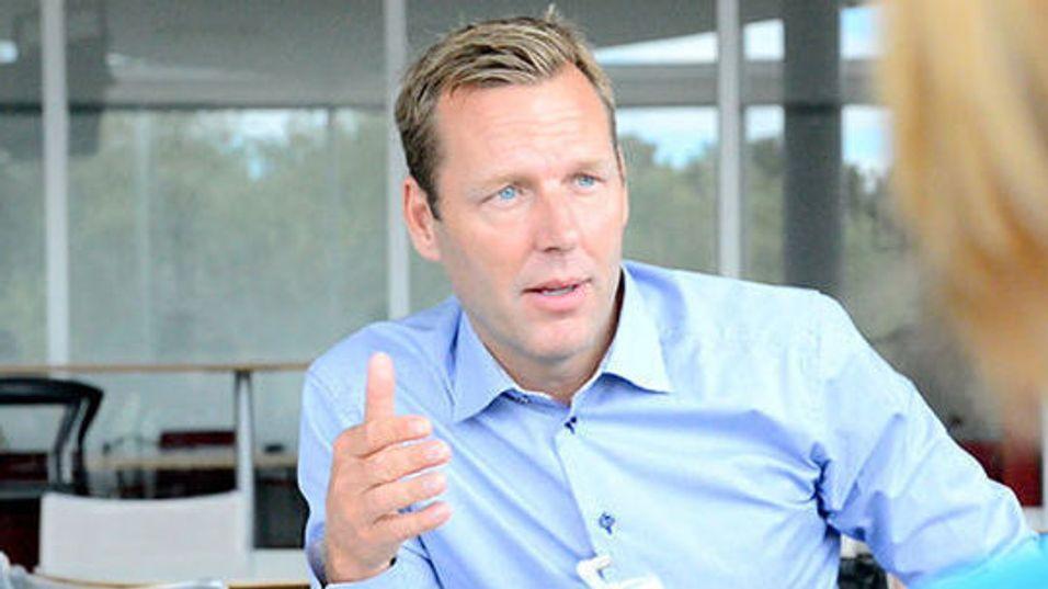 Konsernsjef Johan Dennelind skal sørge for at Telia er størst og sterkest i Norden og Baltikum. Foreløpig har visjonen ikke materialisert seg i større oppkjøp, men det kan endre seg.