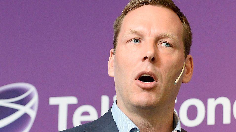 Konsernsjef Johan Dennelind har brukt natten på å diskutere etterforskernes utspill med Telias styre.