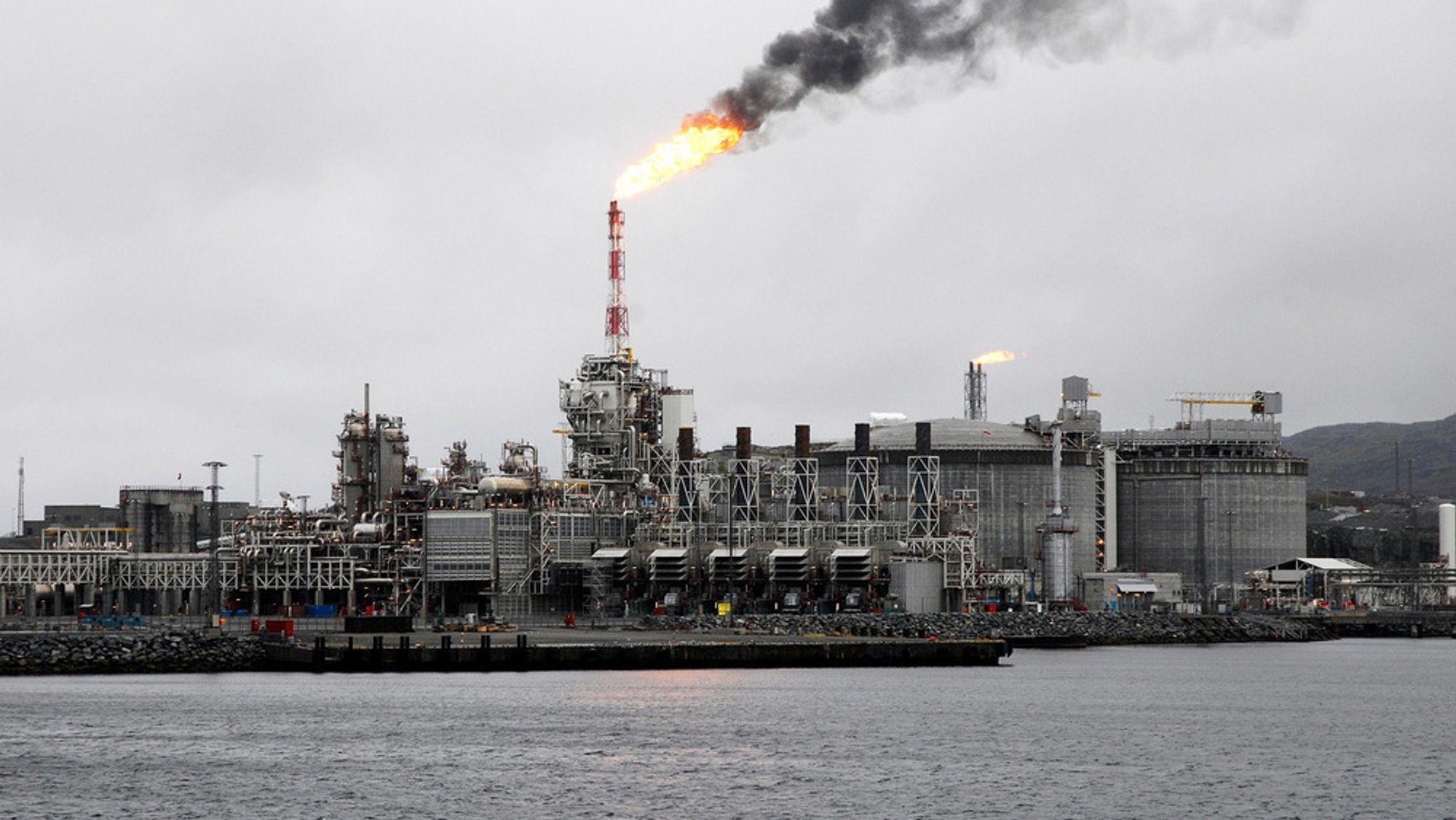 EU vil kutte sitt gassforbruk dramatisk de neste 30 årene. Det vil påvirke norsk eksport. På bildet ser vi gasskraftverket som forsyner LNG-anlegget på Melkøya ved Hammerfest.