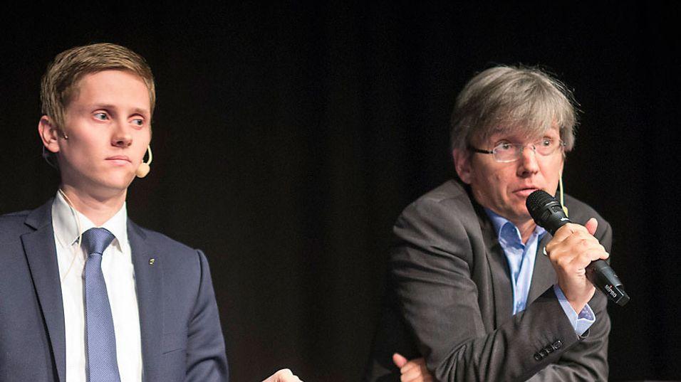Loven ble presentert og sendt på høring av statssekretærene Reynir Jóhannesson og Paul Chaffey under Tek-konferansen i Strømstad 23. mai i år.