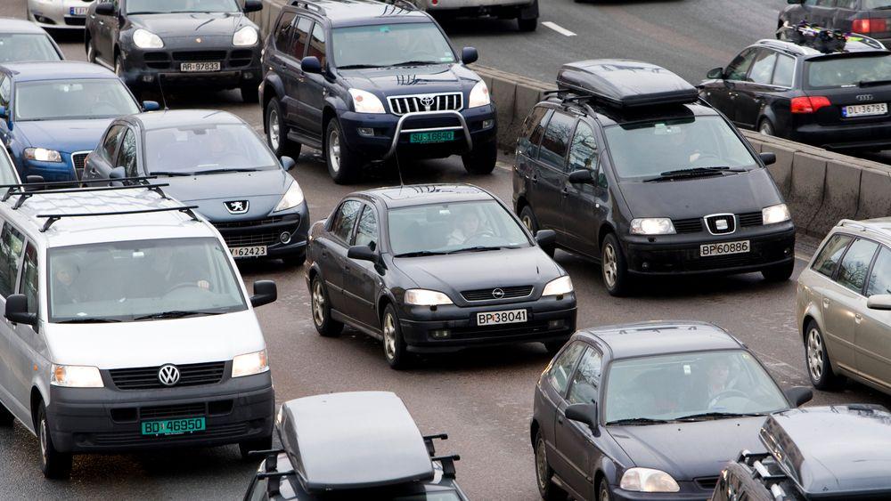 - Jeg tror en del rett og slett ikke skjønner mekanismene. De skjønner ikke at trafikkutviklingen er avhengig av infrastrukturen man bygger, sier Aud Tennøy. Illustrasjonsbildet er fra Oslo.
