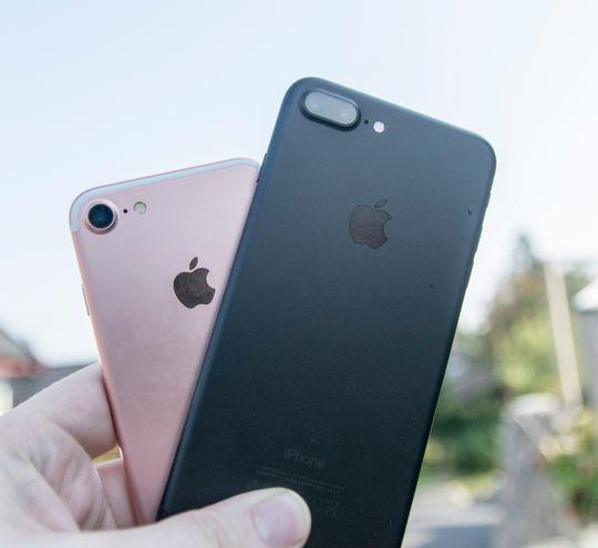 Begge Apples telefoner er virkelig gode, men Plus-modellen har det lille ekstra. Både i funksjonalitet og dessverre også i pris.