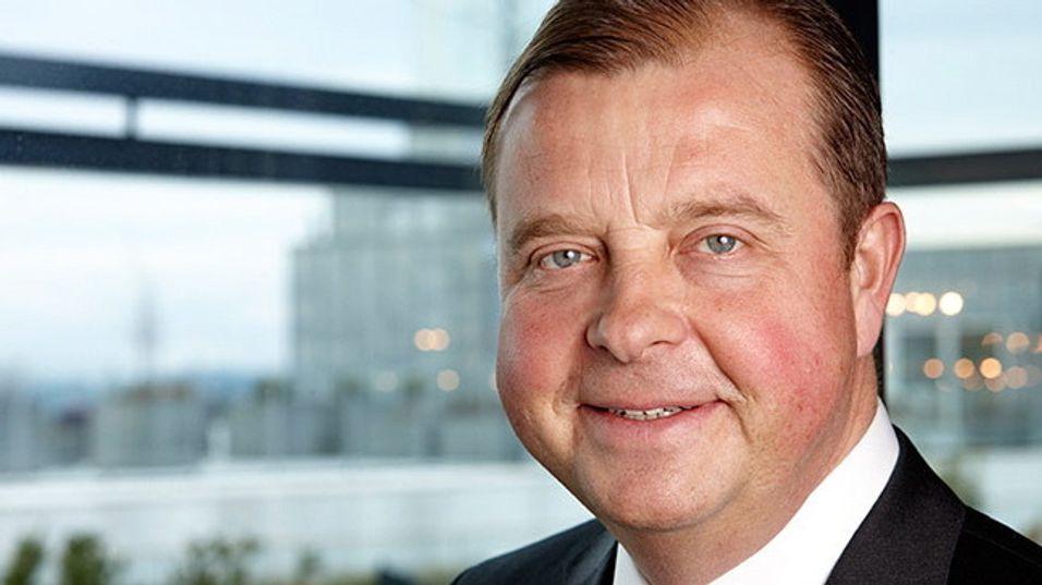 Konsernsjef Björn Ivroth i Evry kan slippe jubelen løs etter å ha halt i land en av de største IT-kontraktene som deles ut i Norden i år.