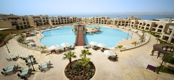 Crowne Plaza Jordan Dead Sea Resort and Spa er ett av hotellene som deltar i rekordforsøket.