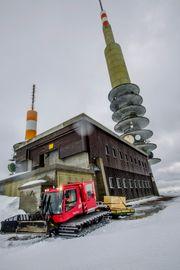 Sværing: Det er mange sendere som Sogndal hovedsender rundt om i Norge. Det trengs for å formidle TV og radio og overføre alle mulige andre signaler.