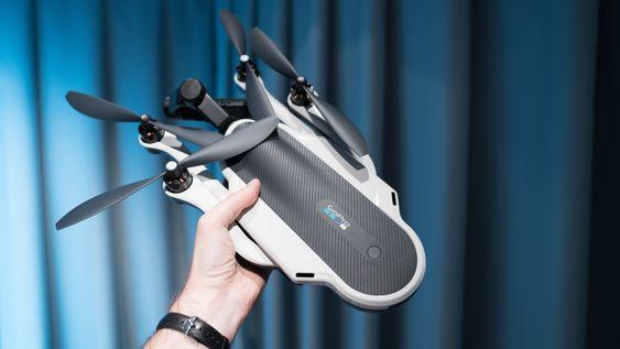 GoPros kameradronen leveres i egen ryggsekk, og kan legges sammen slik at den er lett å transportere.