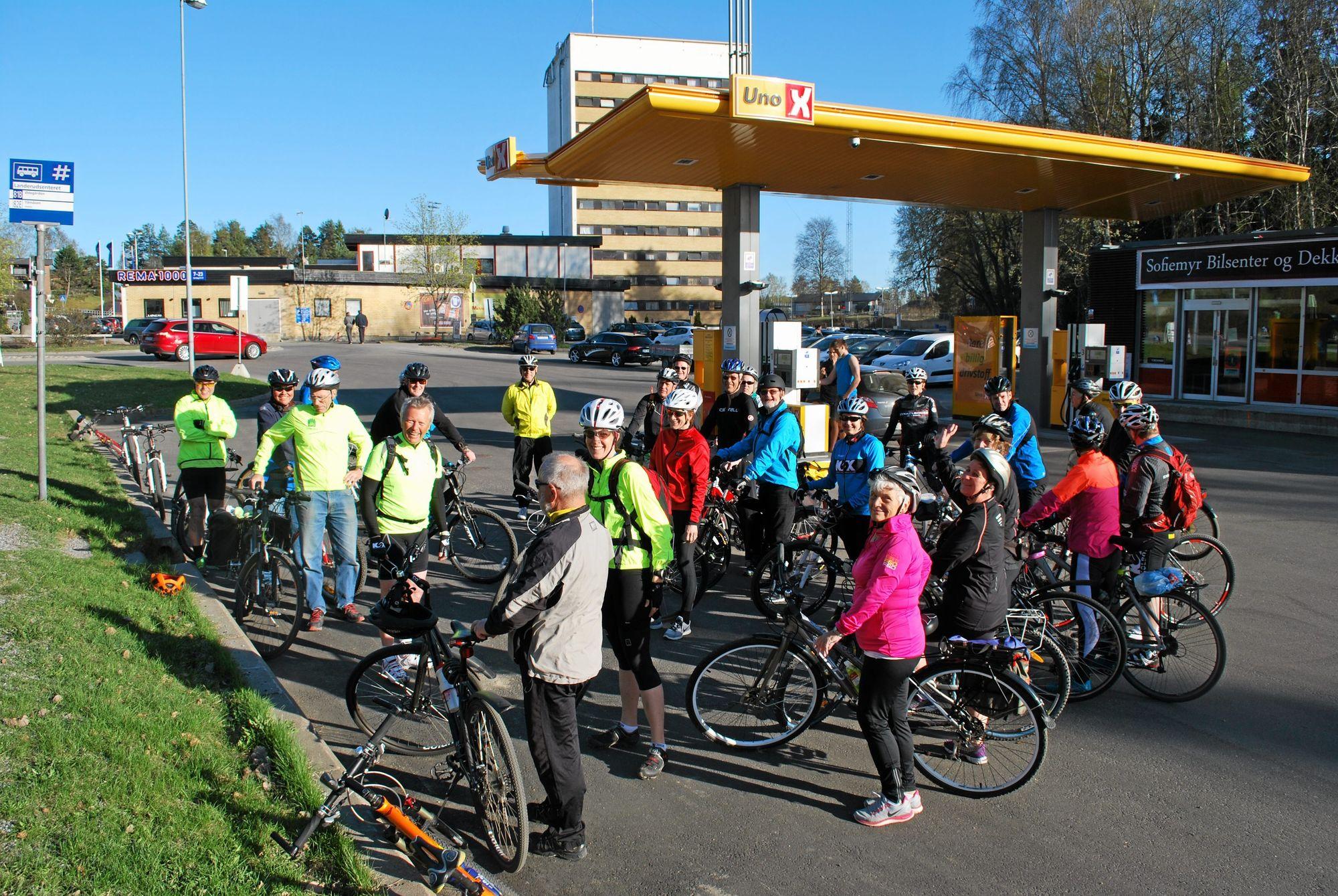 I OG RUNDT KOMMUNEN: De populære, guidede sykkelturene går overalt i kommunen, og også litt utenfor. Her er det både korte og lange løyper for alle!