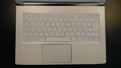 Slik ser Aspire S13 ut med nordisk tastatur.