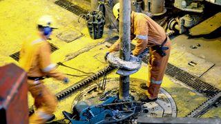 Over 300 tatt ut i oljestreik