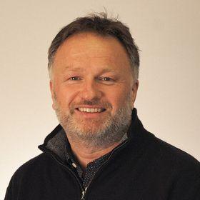 Seniorrådgiver og prosjektleder, Ragnar Kvithyll, i Sør-Trøndelag fylkeskommune sier at de så på flere løsninger før de til slutt endte på Skype for bedrifter.