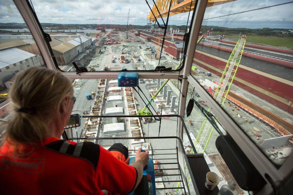 Byggingen av pilotanlegget på Karmøy er godt i gang. Bildet er tatt i sommer. Om ett år er produksjonen godt i gang.
