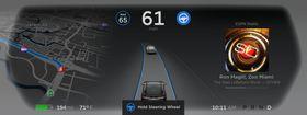 Bilen ber føreren om å holde i rattet dersom han eller hun ikke har holdt i det på en stund.