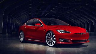 Tesla ruller ut ny Autopilot
