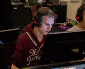 Henrik «becker» Becker høster skryt for sine prestasjoner i King of Nordic.
