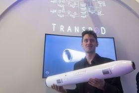 Transpod: Teknologisjef Ryan Jenzen meener det er lurt å utvikle kapselen før de går løs på røret.