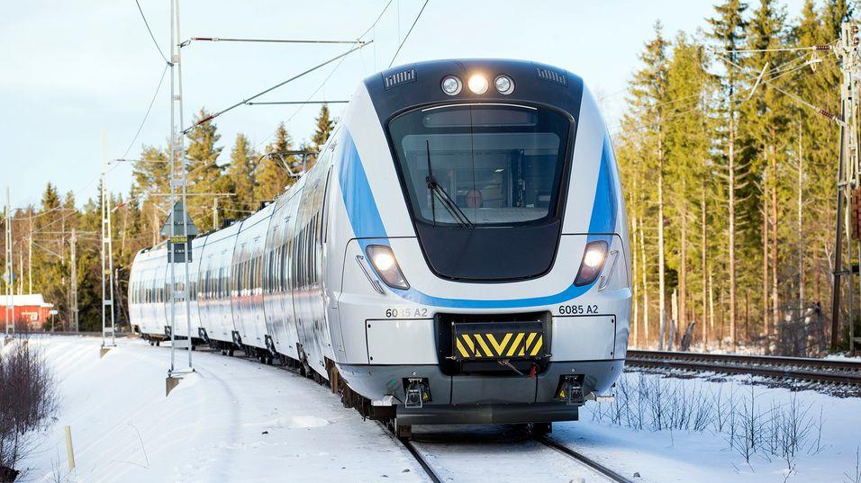 Foto: Kasper Dudzik. Sundsvall-Härnösand 20160126. Alstom Transport visar upp SL nya pendeltåg X60B och körning med ERTMS utrustning på Ådalsbanan.