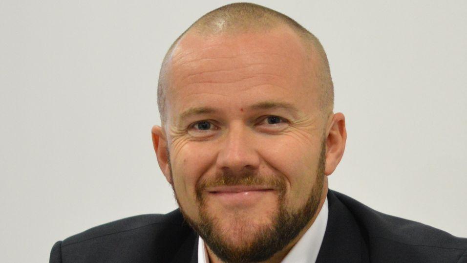 Direktør Jon Birger Ellingsen i Viken fiber mener kundene nyter godt av konkurransen i bredbåndsmarkedet.