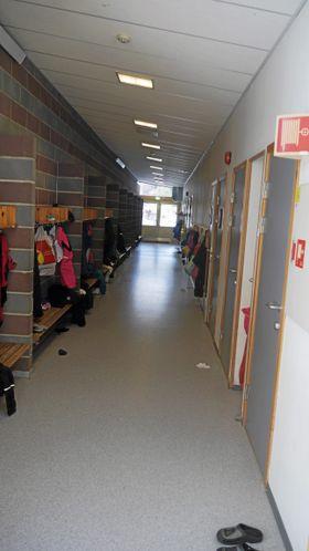 SKOLEMILJØ: Her, på Sofiemyrtoppen skole, opplevde Nina Birkelands sønn alvorlige situasjoner som har preget skolehverdagen hans.