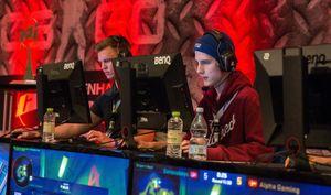 Henrik «Becker» Becker (til høyre) imponerte da han spilte iBananaboys under Copenhagen Games 2016.