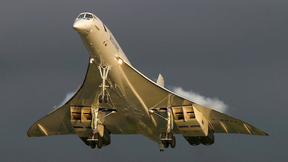 Et elektrisk fly med «Concorde»-design og vinger til batteri er forslaget til batteridesigner Luke Workman.