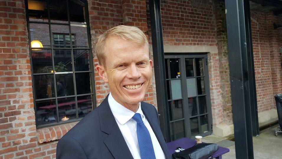 Direktør Erik Villum i Appha Corporate Finance ga honnør til kraftpolitikerne som på 2000-tallet våget å satse på bredbånd og særlig utbygging av fiber. Han mener bredbåndsselskapene nå er svært så lønnsomme og verdifulle selskaper.