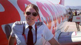 KAPTEIN: Kate McWilliams (26) er kaptein på A319 og A320.