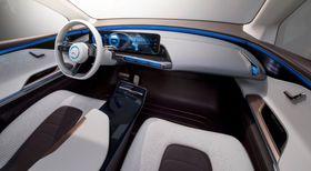 Trykkskjermer erstatter stort sett alle knappe og brytere i bilen.