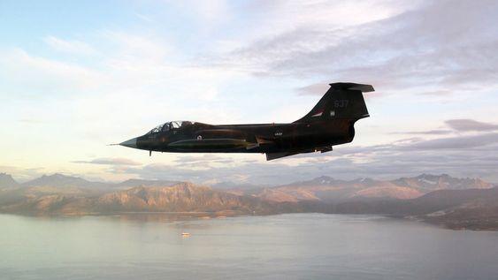 I LUFTA: F-104 Starfighter kom seg i luften i går med testpilot Eskil Amdal bak spakene.
