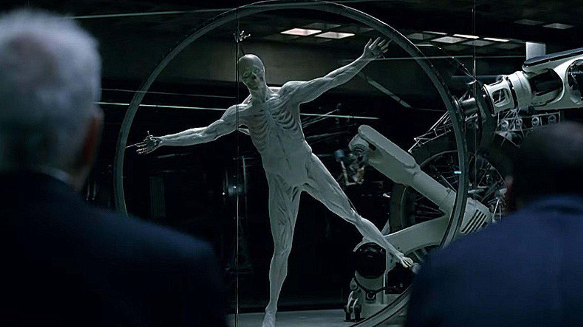 Serien Westworld tar for seg spørsmålene rundt kunstig intelligens som begynner å tenke selv.