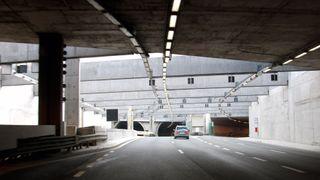 Vegvesenet: «Ukontrollert sprengningsopplegg» ti meter fra en av Norges mest trafikkerte tunneler