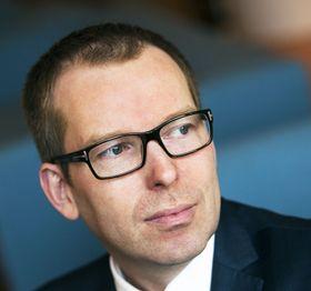Det er avgjørende å investere i digitale ferdigheter for barn og unge, sier Håkon Haugli i Abelia.
