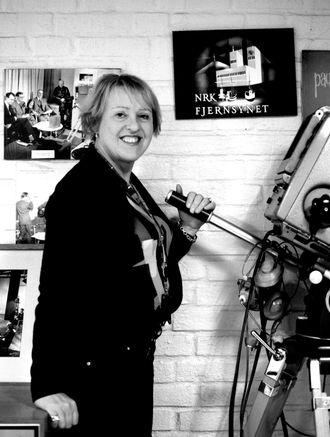 NRK på Marienlyst er et stort bygg med lang historie. Snart er det 25 år siden Grethe Gynnild-Johnsen begynte å gå i gangene her. Fortsatt kan hun gå seg vill.