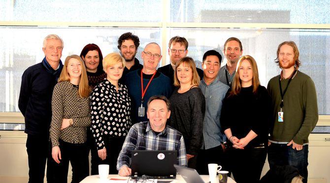 SKUP-STYRET: Denne gjengen var samlet til styremøte i VG-huset i januar, for å gjøre ferdig årets konferanseprogram. Frode Rekve (Institutt for Journalistikk), Anne Skalleberg Gjerde (Dagens Næringsliv), Maren Sæbø (Verdensmagasinet X), Silje Skiphamn (Dagsavisen Fremtiden), Daniel Butenschøn (Dagens Næringsliv), John Bones (VG), Jan Gunnar Furuly (Aftenposten), Jens Egil Heftøy (SKUP), Ina Gundersen (Stavanger Aftenblad), Fredrik Solvang (NRK), Jens Christian Nørve (TV2), Marianne Tønset (Adresseavisen) og Ola Haram (TV2). (Foto: Gard L. Michalsen)