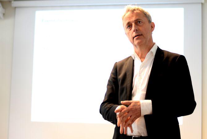 DIGITALISERER: Konsernsjef Are Stokstad om jobb nummer 1 - å digitalisere kundemassen.