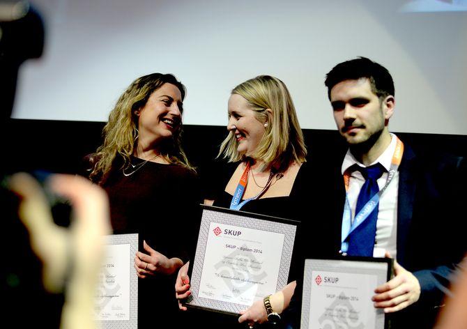 VG fikk diplom for reportasjeserien om ulykkesveiene under SKUP-konferansen i mars 2015.